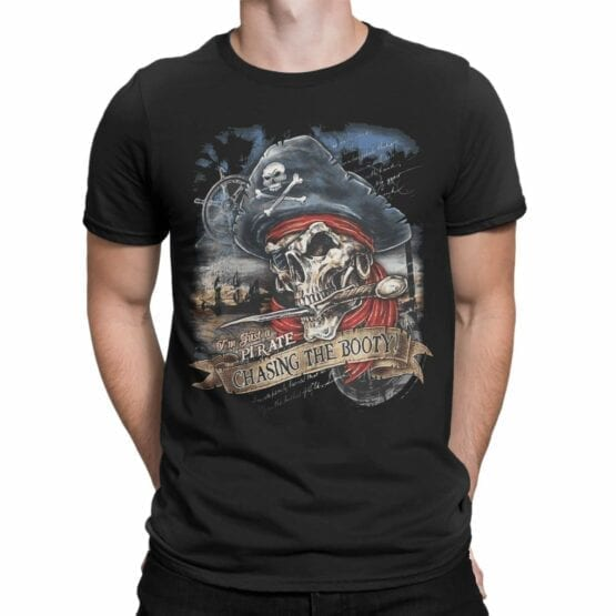 """Pirate T-Shirt """"Chasing The Booty"""". Cool T-Shirts."""