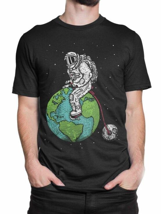 0660 NASA Shirt Astronaut Bicycle Front Man 2