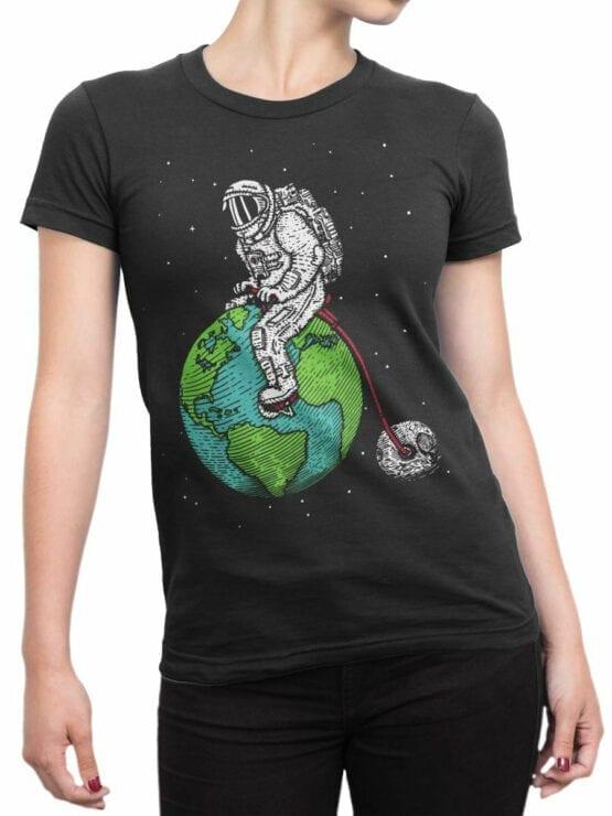 0660 NASA Shirt Astronaut Bicycle Front Woman